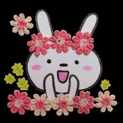 花畑のウサギ